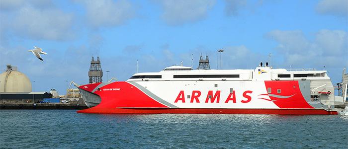 Las empresas navieras españolas operan 215 buques mercantes, con 5,0 millones de GT